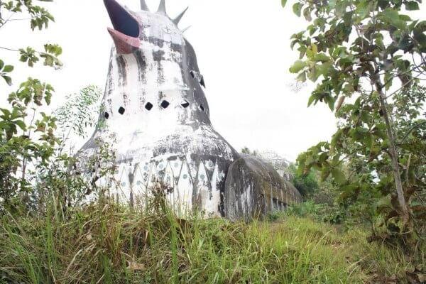Древний храм в Индонезии.