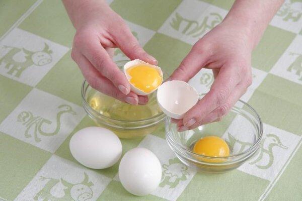 Диетическое куриной яйцо сроком хранения до 7 дней.