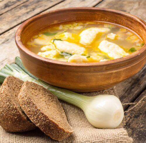 Куриный суп с клецками.