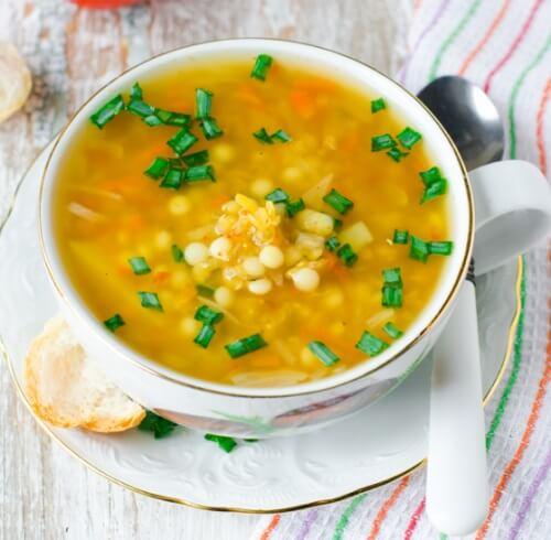 Куриный суп с чечевицей.