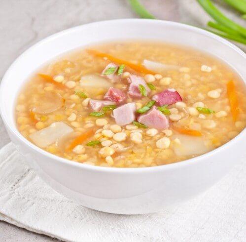Гороховый суп из копченой курицы.