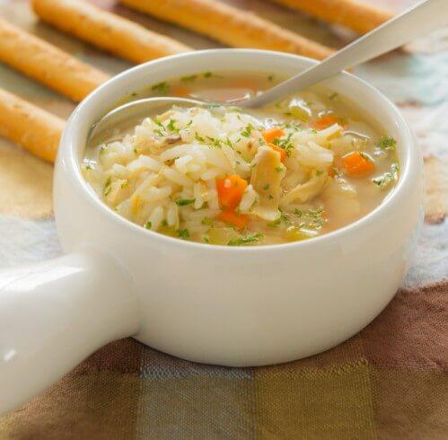 Рисовый суп с курицей.