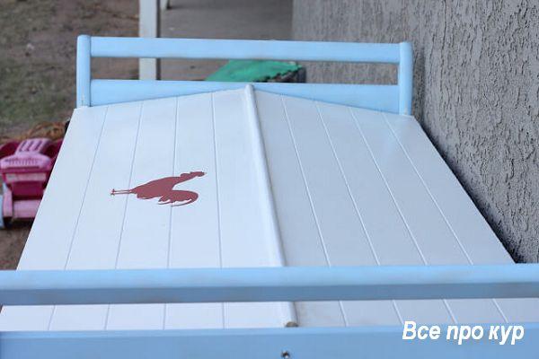 Курятник из детской кроватки за один день.
