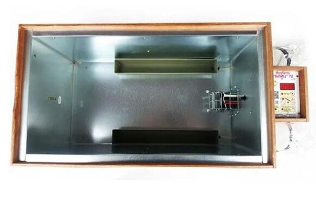 Инкубатор Блиц 72 цифровой с автоповоротом и преимущества.